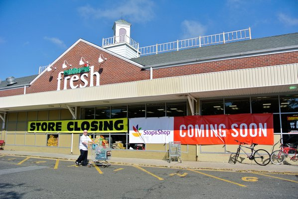 Waldbaum's Supermarket With Store Closing Sign in Southampton New York
