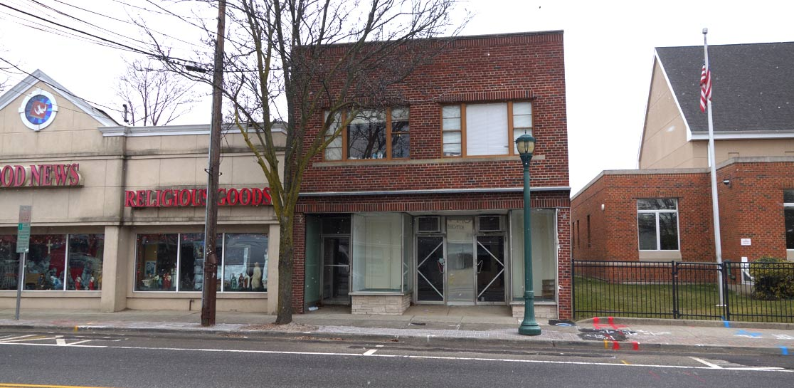 East Northport, NY Mixed-Use Building For Sale - Property Photo 1