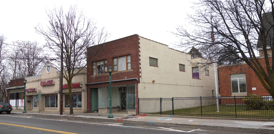 East Northport, NY Mixed-Use Building For Sale - Property Photo 8