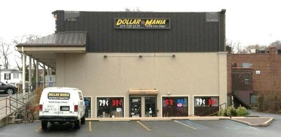 Glen Cove, New York - Retail Plaza - 3