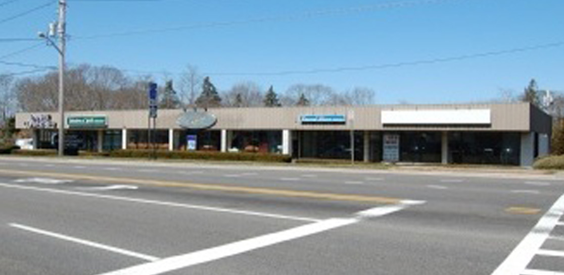 Southhampton New York - Retail Building - 2