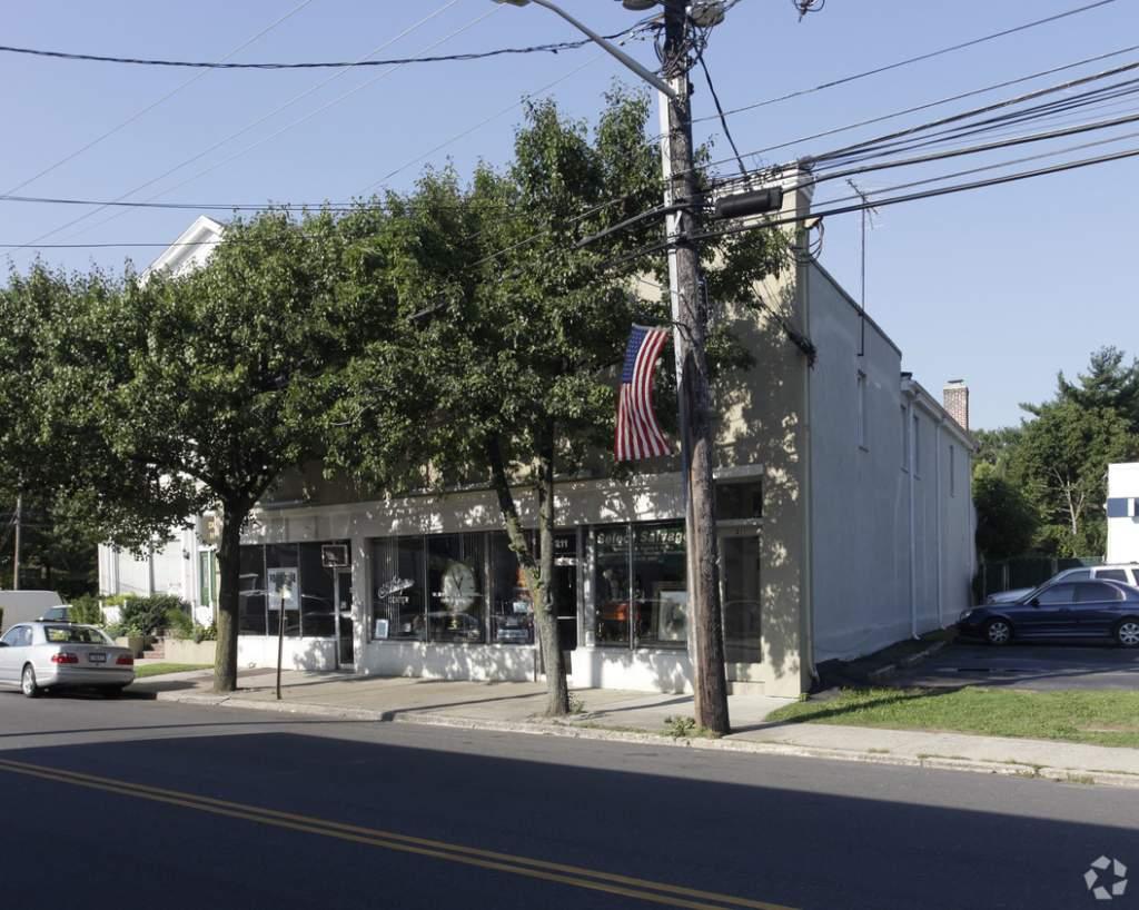 Image Office Building - 211-213 Glen Cove Ave, Sea Cliff, NY 11579