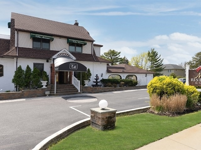 778 Montauk Highway, West Islip, NY Restaurant Retail Property