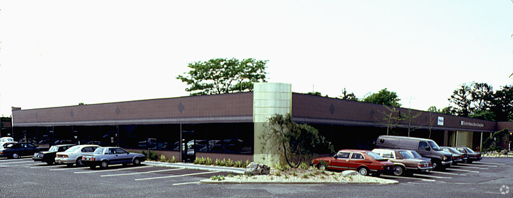 800 Woodbury Rd, Woodbury, NY Sold Commercial Real Estate
