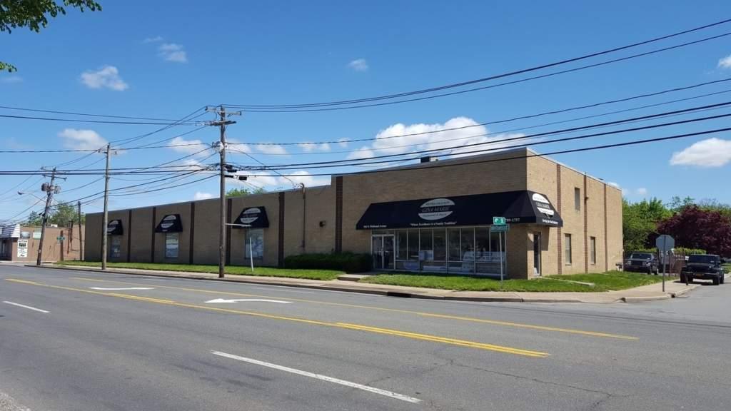 910 N Wellwood Ave, Lindenhurst, NY 11757 Industrial Warehouse Photo