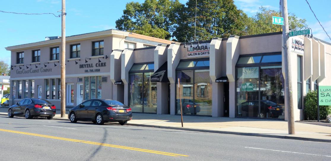 Exterior Property Image of 898 N Broadway, Massapequa