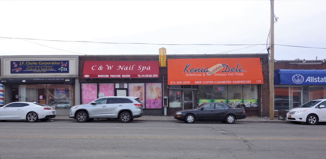 Retail Signage at Building For Sale in Franklin Square, NY